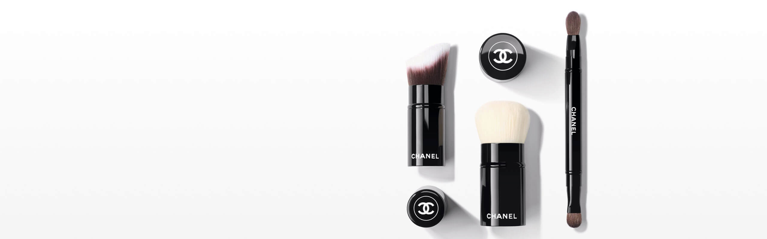 Complexion Brushes - 彩妆 | CHANEL